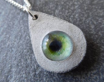Cat eye concrete necklace / cat eye, concrete, cat eye necklace, unusual gifts, concrete cat, concrete pendant, unique jewelry, cat jewelry