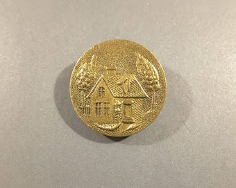 Vintage pressed brass picture button, early 1900's.