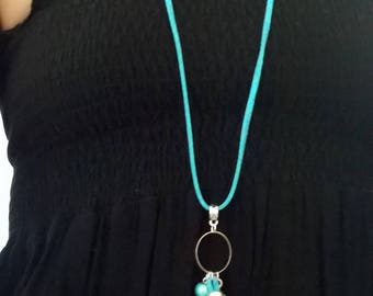Necklace with sliding bead