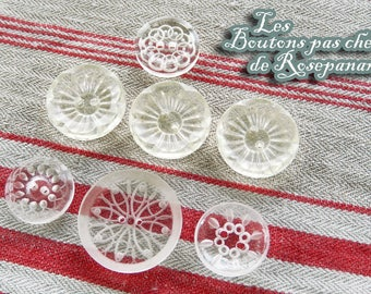 7 beautiful vintage buttons clear vintage patterned - 1.5 to 2.2 cm diameter
