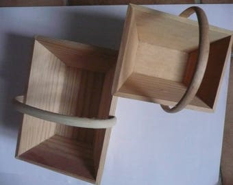 Set of 2 small rutted wooden baskets to decorate and customize according to your desires