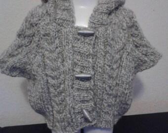 Girl wool hooded vest, half sleeve. Size 2 years