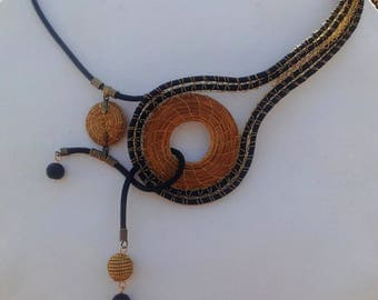 Design in green gold necklace - model TALIMBA
