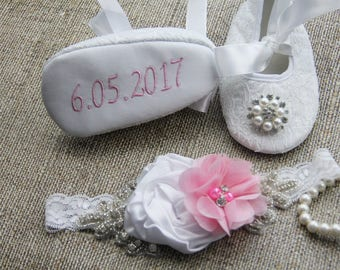 Custom shoes girls pink baby shoes newborn baby girl shoes newborn baby shoes girl baby shoes handmade pink white cute baby shoes