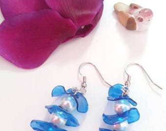 Blue and white tris/earrings earrings blue white