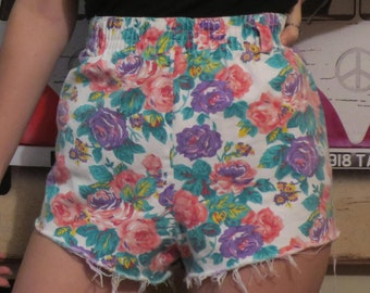 Vintage distressed high waisted floral shorts