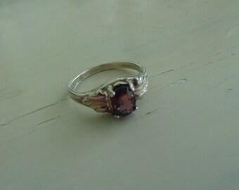 Vintage Garnet Ring in Sterling Silver Band Size 7