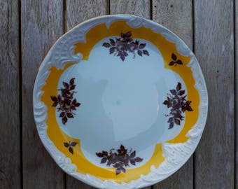 East German (GDR/DDR) Cold War Plate, PMP, with Transfer and Moulded Decoration
