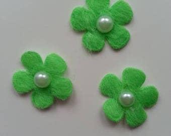 lot de 3 fleurs perlée en feutrine verte     25mm