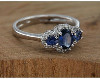 18 kt white gold ring. With Sapphire and Diamonds, trilogy ring with blue and brilliant sapphire, handmade Italian jewellery