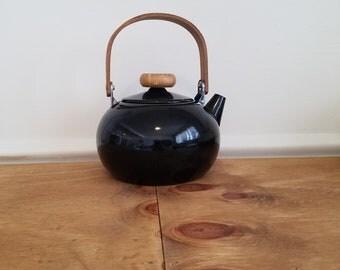 Black Enamelware Tea Kettle with Wooden Handle/Knob