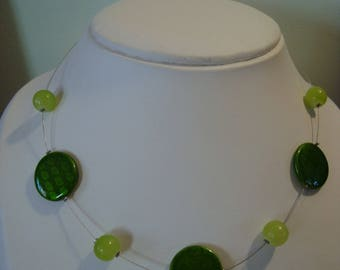 Necklace simple green beads