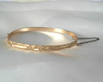 Vintage 9ct Rolled Gold Hinged Patterned Bangle with Safety Chain