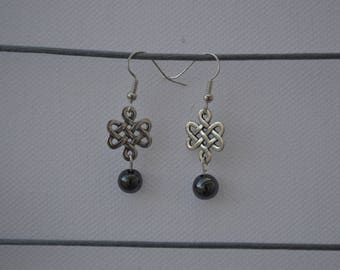 Earrings dangling Celtic and Pearl