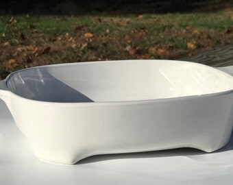 Vintage white Micro Mate by Corning Ware Casserole Dish with Lid