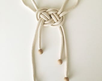 Wall hanging variation of Josephine knot macrame