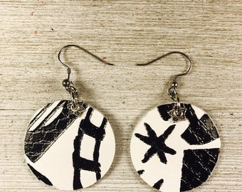 Leather earrings, Leather jewelry, jewelry, Round disc earrings, Black and white earrings, Circular earrings, Cow leather