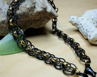 Chainmaille Bracelet in Black and Gold