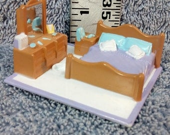 Vintage 1994 Galoob My Pretty Dollhouse Mini Bedroom Playset Furniture LGTI