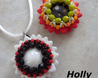 Holly pendant beading pattern