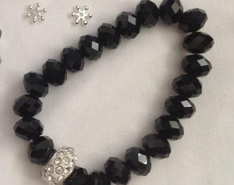 Handmade glass bead stretch bracelet - choice of colour
