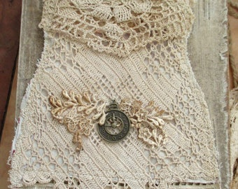 old world lace pouch