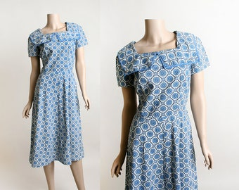 Vintage 1950s Dress - Early 50s Spirograph Medallion Print Blue and White Cotton Dress with Large Sailor Collar - Small