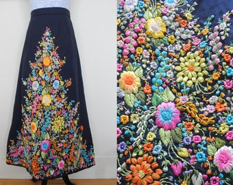 Incredible 1960s 1970s raffia embroidered maxi skirt (large)