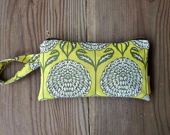 Citron Chrysanthemum Wristlet
