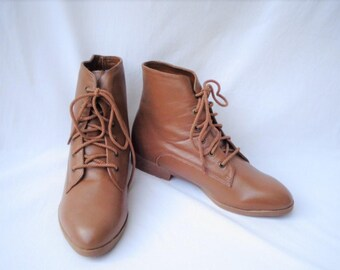 90s Caramel Brown Ankle Boots size 8.5 to 9 Leather Granny Boots Lace up Pixie Boots