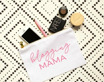 blogging mama, blogger gifts, mama gift, mama bear, cute cosmetic bags, cute cosmetic pouches, makeup bag, gift for her, blogging shirts