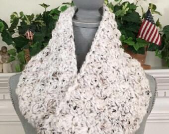 """crochet handmade bulky chunky yarn Infinity Cowl Scarf Soft cozy stylish comfy warm wide WHITE TWEED 7""""x 72"""" new"""