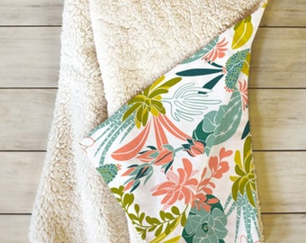 Boho Throw Blanket // Sherpa Fleece // Succulents // Cactus // Dorm Decor // Succulent Garden White Design // Cozy Blanket // Boho Blanket