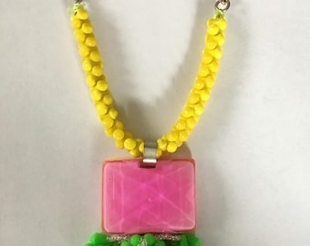 Pouff Necklace made of vintage shoe clips