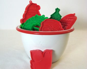 Hallmark Cookie Cutters 9 Christmas Red Green Vintage Santa Bells Dove Trees Stocking Wreath