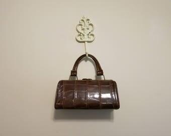 Mock Croc Crocodile purse handbag pocketbook brown doctors bag 1950s vintage gold vegan frame bag