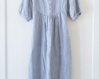 Vintage White Linen Shirt Dress / Short Sleeve / Blue Pinstripes / Size L / Minimalist / Simple Dress / Summer Linen Women's Dress