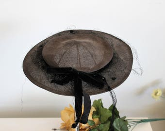 Vintage 1940s 1950s Black Hat With Veil / Cartwheel Bonnet Style Hat / Millinery / Big Velvet Bow / Black Madeline Hat / Goth Gothic
