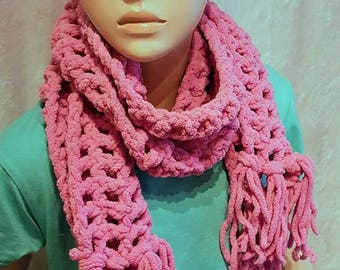 Little Girl's Pink Crochet Scarf fringes,  pink girls scarf, Plush girl's scarf, fringed scarf, Bernat baby yarn girl scarf, Scarf for girls