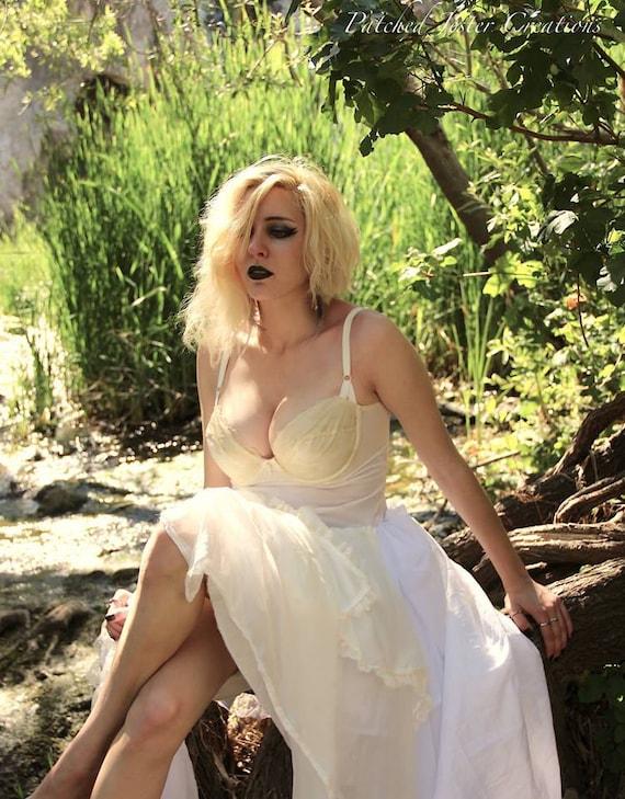 Steampunk Lady White Wedding Dress - Wedding - Fairy - Angel - Halloween - Ghost