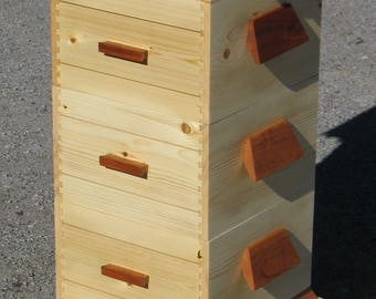 Warre style bee hive