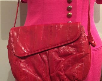 Bright Red Eel Skin 80s Cross Body Purse. Suede lining. Wonderful condition