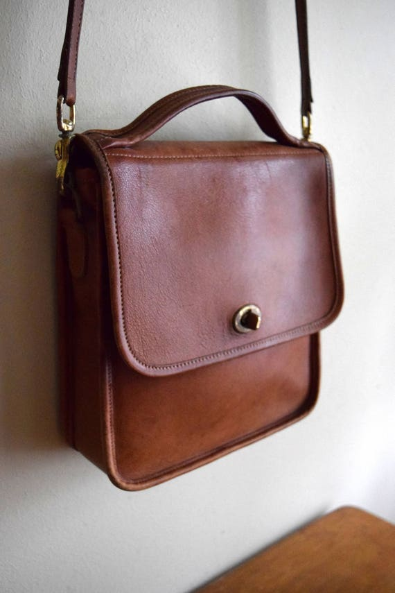 Vintage Distressed Camel Brown Leather Purse - Crossbody, Messenger, Saddle Bag, Satchel - FREE Shipping in the US