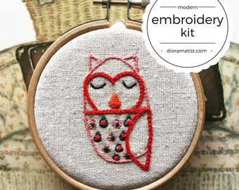embroidery kit // The Hello Hooties - Gert Hootie embroidery kit