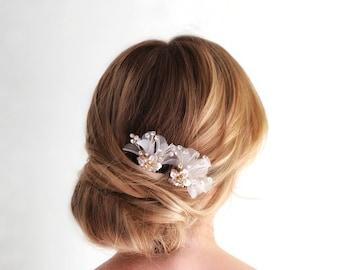 Flower Hair Pin, Wedding Hair Pin, Bridal Hair Pin, Flower Hair comb, Gold Bridal Hair Comb, silver hair comb, Blush hair pin, Hair Clip