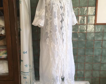 Vintage matching white night gown and dressing gown 60s