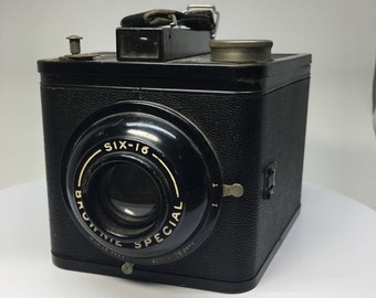 Vintage Kodak Brownie Special Six-16 Camera