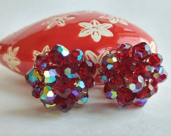 Gorgeous Retro Era Vibrant Scarlet Red Bead Cluster Clip On Earrings w/ Aurora Borealis Finish- Iridescent Ruby Gold Tone Classic Pinup