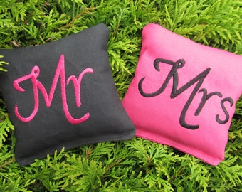 Wedding Mr and Mrs Cornhole Game Bags - Mr & Mrs - Set of 8 Shown in Black and Dark Pink