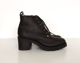 DEADSTOCK Vintage Sketchers Brown Leather Chunky Heel Lace Up Ankle Boots // Women's size 8